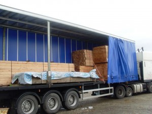 delivery of timber1 fs1 300x225 Доставка